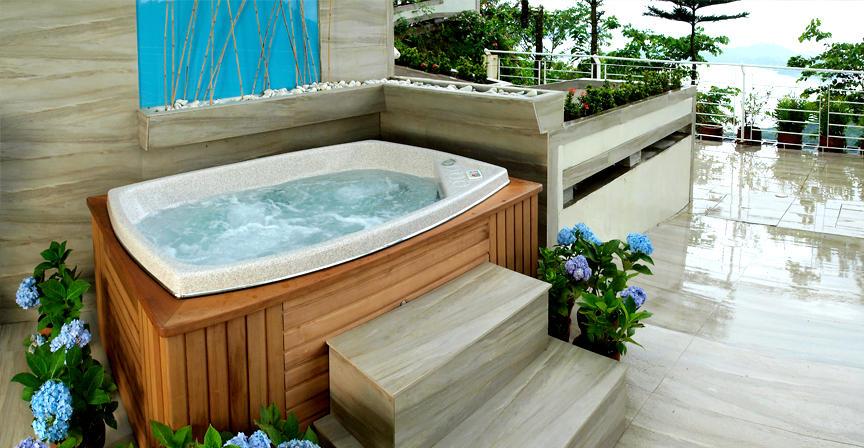 The Inn at Cliffhouse Tagaytay bath